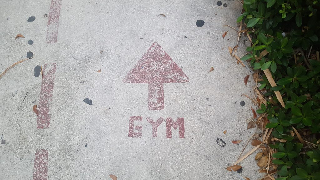 An arrow pointing to the gym.